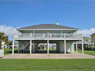 Photo for Beautiful 2nd row home, just steps from the beach