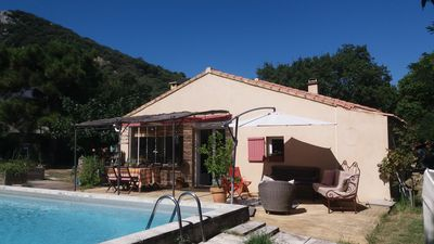 Photo for Detached holiday house, quiet with pool and beautiful view Luberon