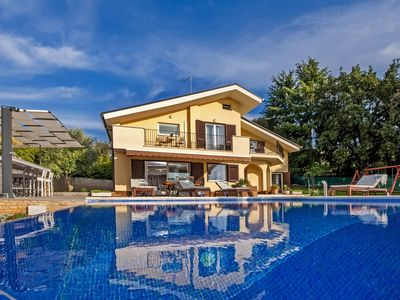 Photo for 4 Bedrooms, 5 bathrooom, Gym, Pool, summer kitchen