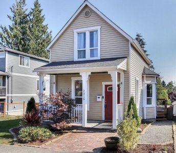 Photo for Lovely Hilltop House in Tacoma