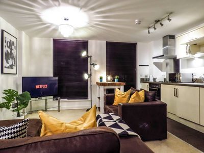 Photo for Spacious and carefully designed 2 Bedroom apartment with free parking