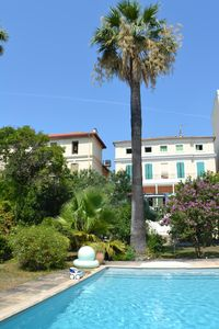 Photo for Villa with pool in the heart of HYERES LES PALMIERS, 10/12 people