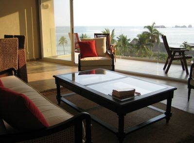 Relax and enjoy the ocean and its breeze from our living room