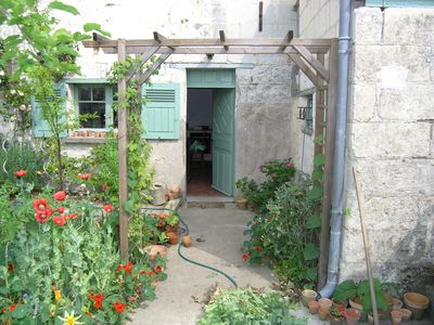 Photo for Typically French cottage with modern confort bordering the Loire River.  WIFI