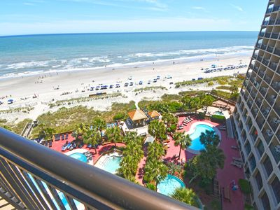 Photo for ❤️Fabulous Oceanfront Tropical Location, TIKI HUT, Heated Pools, Lazy River