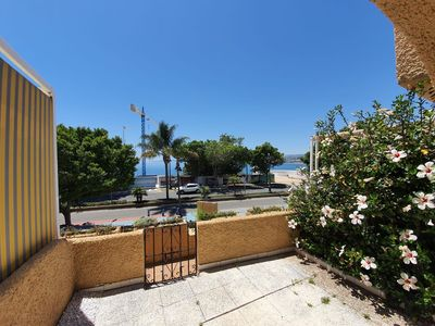 Photo for Beautiful 1 Bed townhouse with sea views