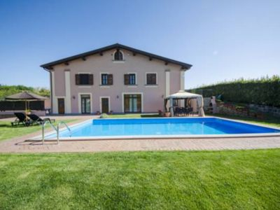 Photo for COZY 4-BEDROOM VILLA (3 + 1 SUITE) 200 sq mt, PRIVATE POOL / 1.5 MILES TO BRACCIANO