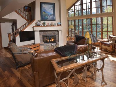 Photo for Luxury Ski-in 3 Br Penthouse Inside Pines Lodge, Sleeps 10!