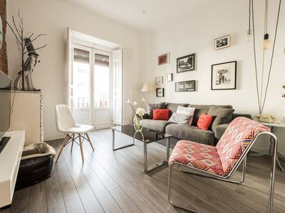 Photo for Apartment in the center of Madrid with Internet, Air conditioning, Balcony, Washing machine (751645)