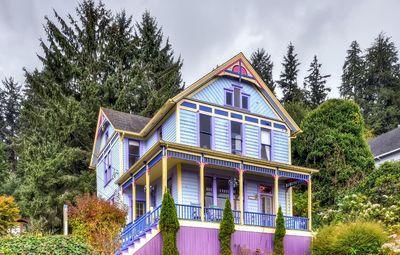Photo for 'Astoria Painted Lady' Historic Apt w/ River View!