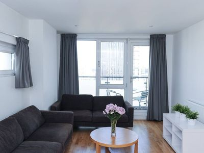 Photo for Bright and modern 3BR Apartment in Stratford