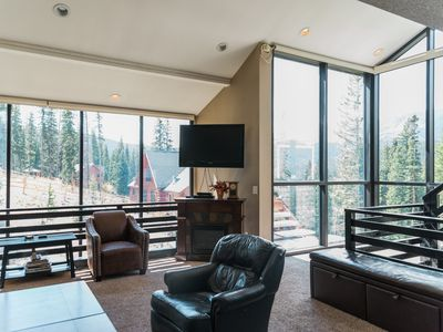 Photo for Spacious Home with Breathtaking Views of Mt Quandry