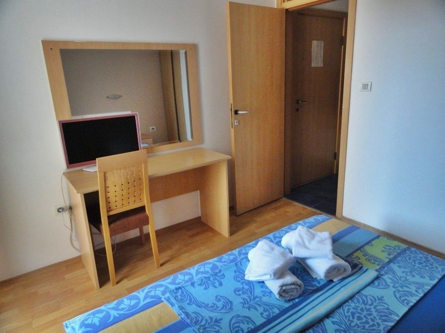 Apartments Mare-apartment for two (#204) Photo 1