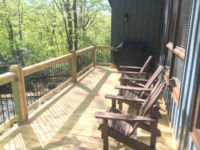 Large deck - Perfect for grilling.