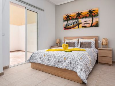 Photo for Modern Apartment Matorral with Terrace & Wi-Fi