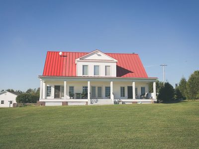 Photo for Sanctum Inn: 6 bedrooms, 7 1/2 bath vacation house in heart of Amish country