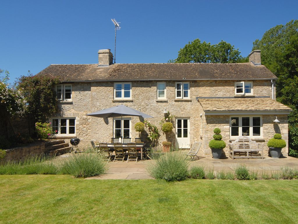Luxury Cotswold Stone House