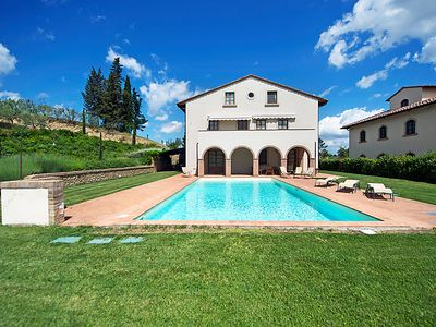 Photo for 5 bedroom Villa, sleeps 10 in Luiano with Pool, Air Con and WiFi