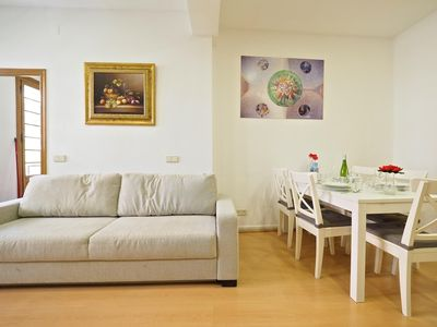 Photo for Avenida Gaudi apartment in Eixample Dreta with WiFi, air conditioning, balcony & lift.