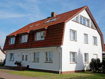 Photo for Holiday apartment with lake view Möwe - Haus Margarethe auf Rügen