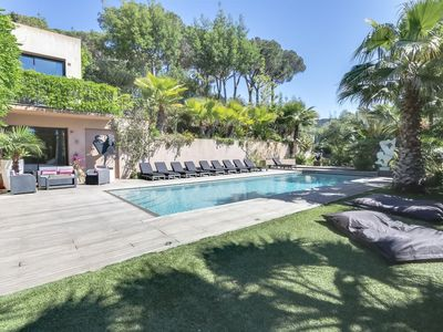 Photo for Luxury villa near Saint Tropez with pool