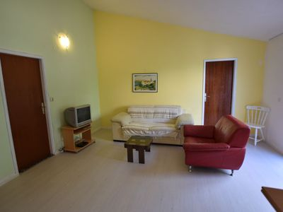 Comfortable apartment with balcony and outdoor kitchen for use !