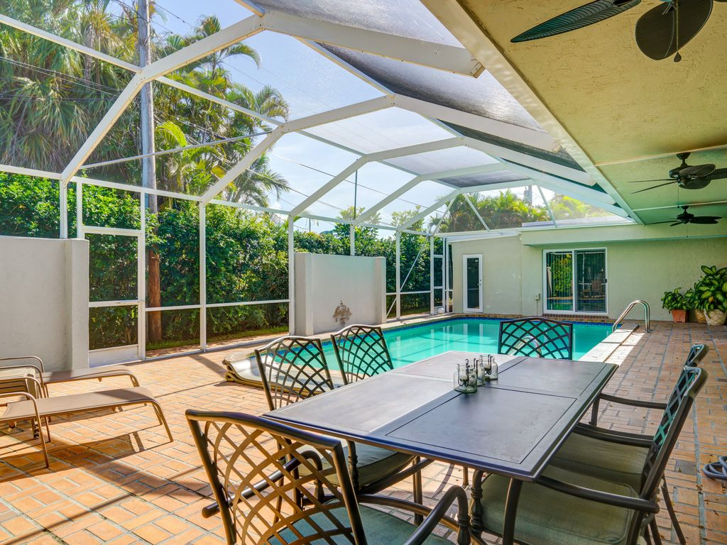 Huge Modern Pool Home In Perfect Location Oakland Park