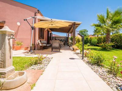 Photo for Villa with garden, an oasis of peace and relaxation just steps from the sea