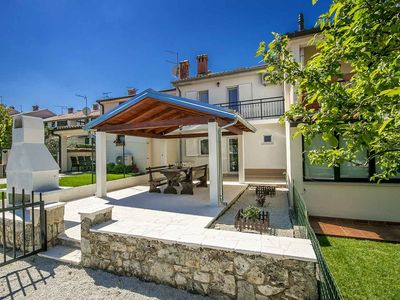 Photo for Holiday home for rent 400 m from the sea, Porec