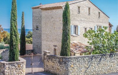 Photo for 5 bedroom accommodation in Le Barroux
