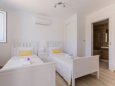Photo for 2 bed family apartment