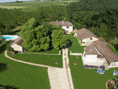 Photo for Nérac Gascony gîte for 6 with South-exposed pool not overlooked 5:00 p.m