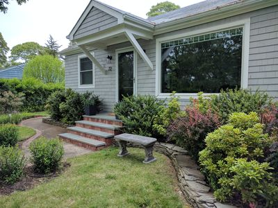 Photo for Charming cottage style cottage in Southampton, NY.