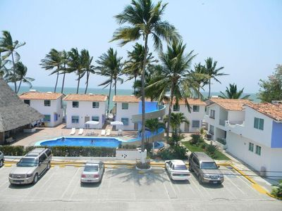 Photo for Spacious Condo w/ Resort Pools, Beach Access, Onsite Restaurant & WiFi