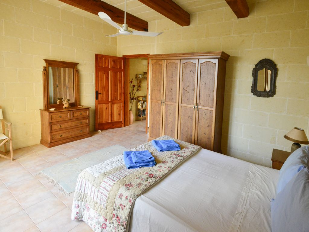 converted farmhouse tasteful decor private pool and licensed by the m t a xaghra island of