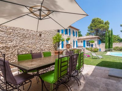 Photo for Provencal farmhouse, for 10 people, heated pool, peace, view, 6 km from Gordes