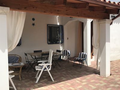 Photo for COZY VILLA IN THE COUNTRYSIDE A FEW KM FROM THE BEAUTIFUL SEA OF CARDEDU. APP. B.