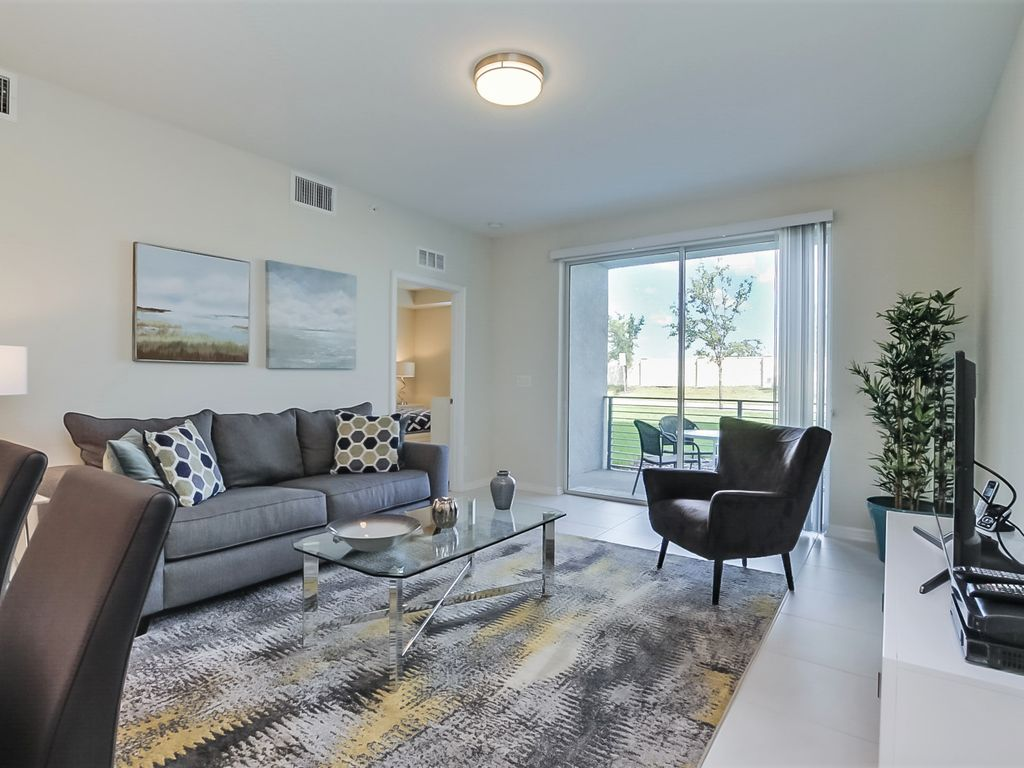 Amazing Story Lake Brand New Condo