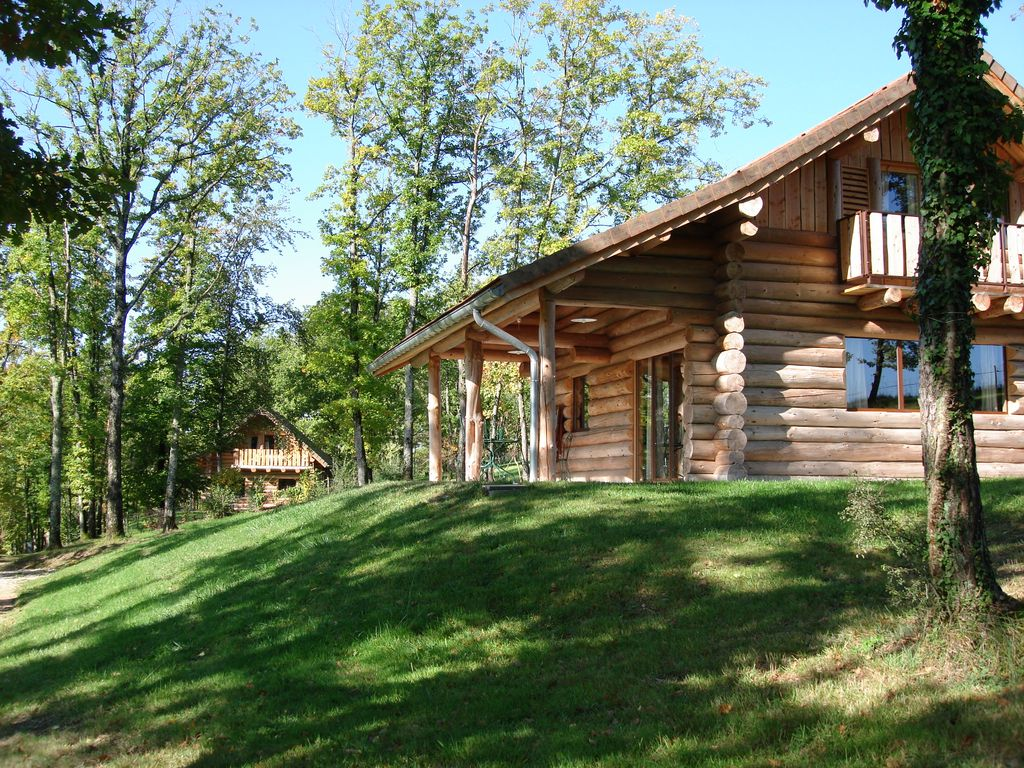 Log cabin in champagne with swimming pool homeaway Cottages to rent with swimming pools