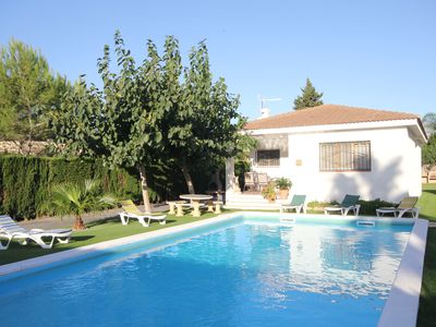 Photo for Ariane: Private Pool, WiFi, A / C, 0,42km from the beach, an official dog beach