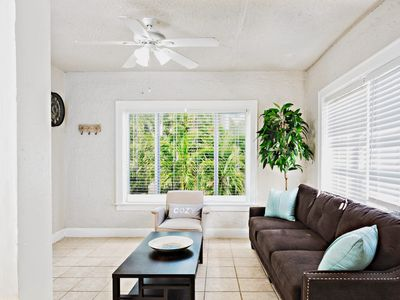 Photo for One Bedroom Boutique Apartment Hollywood Lakes