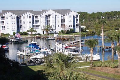Boaters Paradise, park you boat here.Minutes to gulf