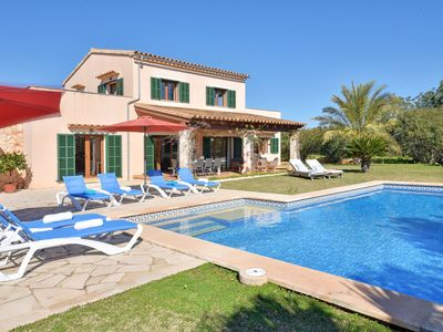 Photo for Country house with private pool in a quiet area
