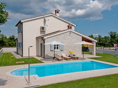 Photo for Lovely Villa with Swimming Pool