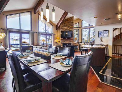 Mid mountain Silver Lake, walk to ski and Stein's, home theater, pool table, spa