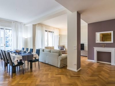 Photo for Luxury 3 bedrooms 500m from Duomo