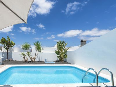 Photo for Beautiful apartment for 6 guests with WIFI, private pool, TV, pets allowed and parking