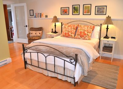 Spacious bedroom with queen sized bed.