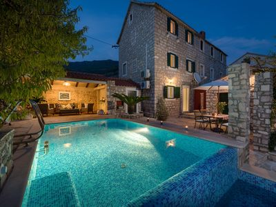 Photo for Villa Rustica Moderna with Swimming Pool