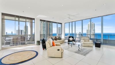 Photo for 4 Bedroom Luxury Penthouse of Surfers
